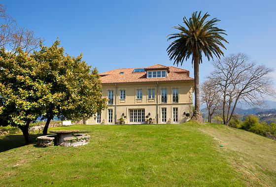 villa Palacio de Miravalles in null Miravalles